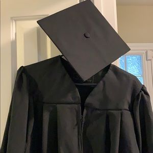 """Masters cap and gown 5'6""""- 5'8"""""""